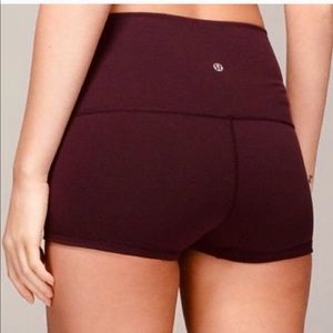 Lululemon Reversible Boogie Shorts Burgandy 6